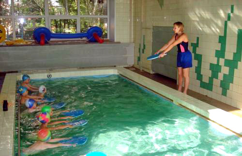работа в бассейне вакансии в москве в вао