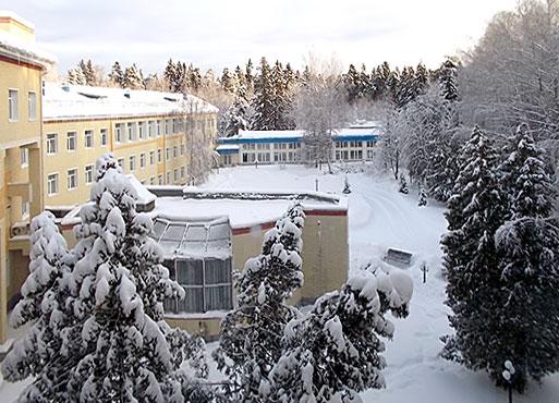 Кисик: первая елка сашулечки у дедушки на работе в центральном военном госпитале им мандрыка