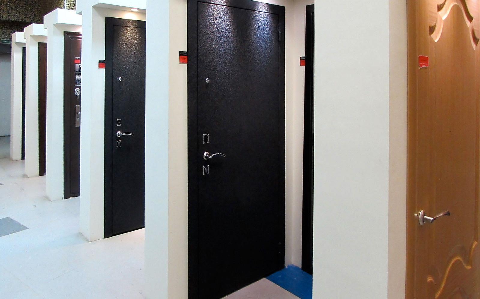 железные двери со скидками москва
